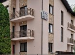 Cazare TWINS APART HOTEL